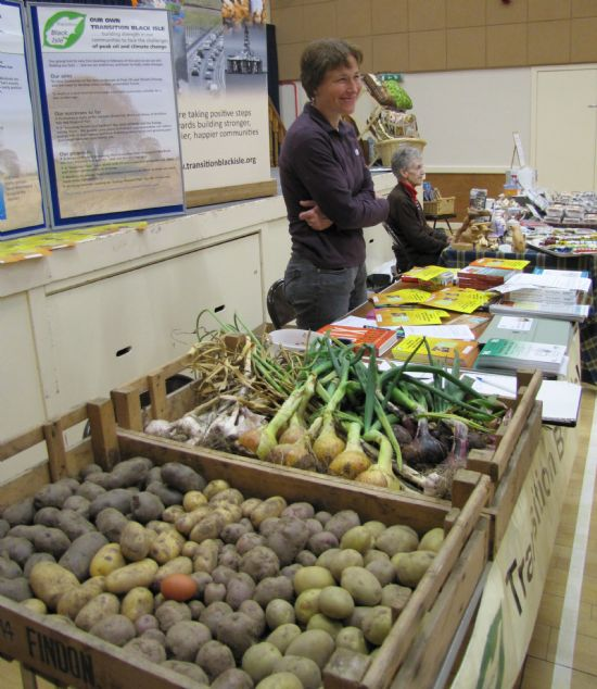 http://www.transitionblackisle.org/userfiles/image/market/big/culbokie%20market%2021.8.jpg